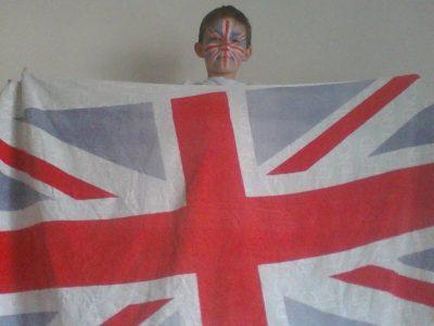 Dourdan, collège Jeanne d'Arc, je m'appelle Antoine et j'adore l'équipe de rugby d'Angleterre