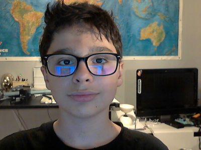 Collège : Saint Louis Saint Bruno  Lyon 69  Je m'appelle Raphaël Sterenfeld j'ai 11 ans et j'aime l'histoire et la géographie. Et j'apprends l'Anglais depuis que j'ai 2 ans.