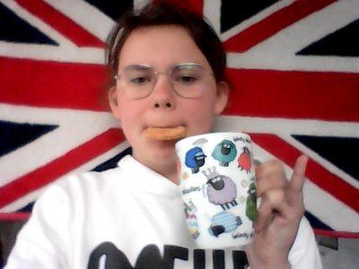 collège Simone Veil a Elven  Je suis fière de vous présenter mon tea time.