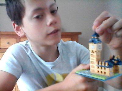 TOURS, MARMOUTIER  Une petite touche finale sur mon Lego the Big Ben !