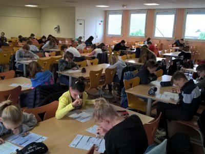 Collège Léon Blum à Wavrin, 66 élèves planchent avec le plus grand sérieux !