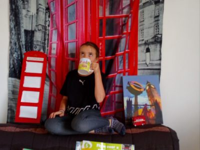 Adèle Hazouard Collège Paul Langevin 10300 Sainte Savine Aube France J'ai hâte d'aller visiter le Royaume Uni, mais en attendant je le visite chez moi!!!