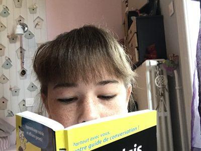 je m'appelle Jeanne bruneau, je suis au collège Felix Aunac et j'habite a Agen.