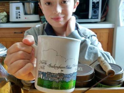 Angers collèges saint augustin. Cup Buckingham Palace,  boite à thé.