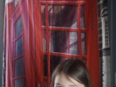 Collège Arc-en-Ciers ( Les Avenières),  Je m'appelle Azaline , j'ai 11 ans et j'espère découvrir l'Angleterre un jour.