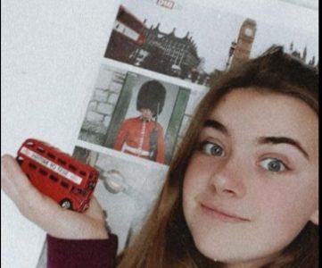 Thonon-les-bains, collège Champagne   Petit souvenir de Londres avec un poster et surtout avec l'incontournable bus londonien que j'ai vu partout pendant mon voyage.  C'est une ville magnifique que j'ai adoré visiter et aussi où j'ai pu pleinement profité de pratiquer et entendre l'anglais.