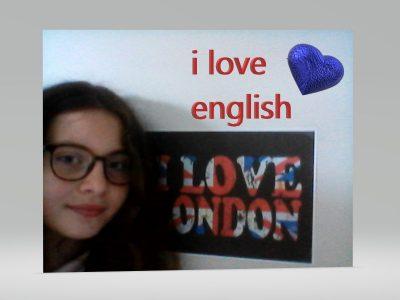 Ma ville est St-Omert et mon collège St-Bertin j ai voulu faire cette photo pour montrer a quel point j'adore l'Anglais  depuis que je suis aller dans ce pays en bateau j'ai tout de suite sentit un émerveillement on a vue plein de chose magnifique . En tout cas rien ni personne ne pourra m'empêcher d'aimer l'Angleterre . thank you for reading my message, googbye