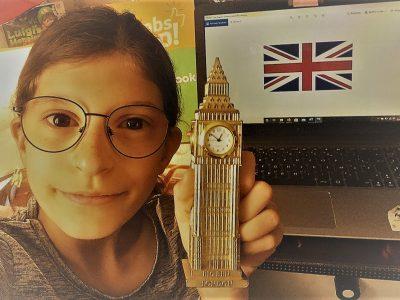 ville: AUCH nom du collège: Collège Saint Marie  Bonjour ! J'adore la tour de Londre, elle magnifique j'aimerais tant la voir un jour. J'espère que je gagnerais Merci.