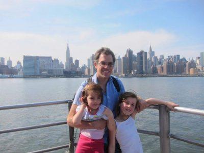 Pau, Ste Ursule   Une photo de moi, ma soeur et mon père en voyage à New York, qui n'était pas prévu...