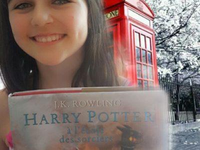 Montpellier  Francois rabelais  commentaires :  Harry Potter est mon livre préferé c'est pour ça que je l'ai choisie ! derriere , on voit une des fameuses cabines téléphoniques, dans mon salon...biensur c'est un fond vert ! Eva.