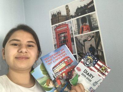 Mulhouse,Collège privé Jean 23 J'ai reçues ces livres,l'agenda 2019/2020 et l'image derrière l'année dernière car j'étais première à gagner le The Big challenge et j'ai adorer ces cadeaux.
