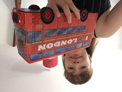 Tours collège Maintenon La Providence.  J'ai construit un bus anglais avec des puzzles 3D ! Laure chauvet 6°Oxford 1