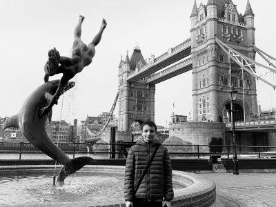 Masevaux  Collège Conrad Alexandre Gérard  Devant le Tower Bridge à Londres ;-)