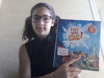 Ma photo montre le book d'anglais qu'on a en classe pour apprendre à parler anglais. Ville de Valence, collège Emile Loubet
