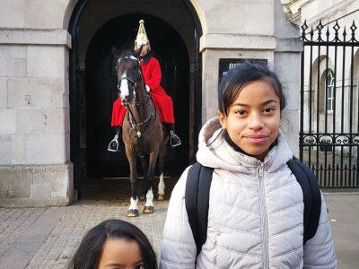 Lens , Rajery Maitia  voici une photo avec ma petite sœur a Londre