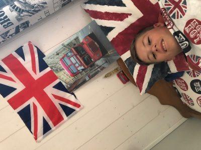 collège Saint-Gabriel-saint-michel à St Laurent sur Sèvre  J'adore l'Angleterre, j'ai des cousins anglais et je vais bientôt y allez+_+