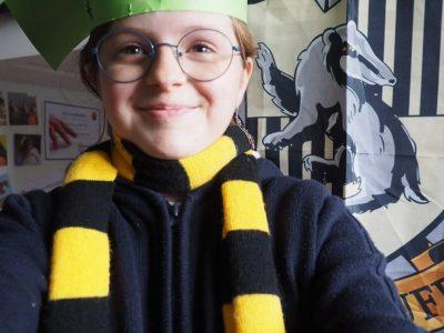 Ville: Grenoble Collège: Collège Bayard Commentaire: J'ai pensé à Harry Potter et au chapeau des étudiants.