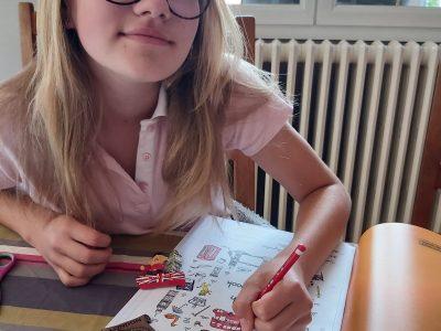 """Maude ETEVEZ 5°lancelot collège Jeanne D'arc Roye """"vive l'anglais !!"""""""