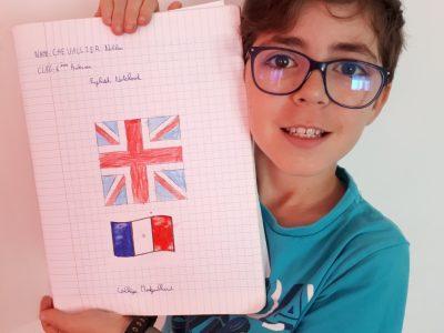 Mon collège s'appelle le collège MONTGAILLARD, à Saint-Denis, sur l'île de la Réunion.  I speak English, je parle Français, mi coz Kréol !