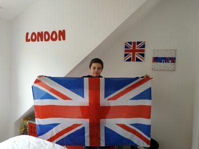 Nieppe College St Martin .I love London (J aime beaucoup Londres et je suis servi pour ma décoration de chambre .Good Luck