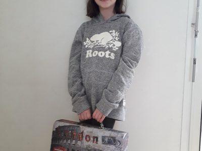 ville :Claye-Souilly   collège: les Tilleuls   Le sweat du canada et une petite valise de Londre
