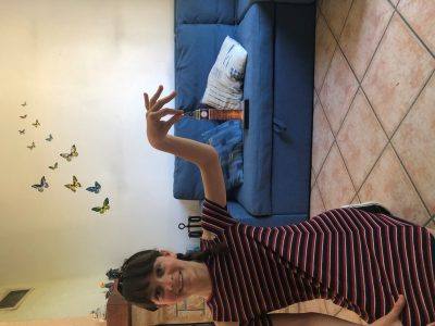 Je suis au collège Jeanne-d'Arc situé à Gisors.  Voici une photo du BIG BEN et moi ❤