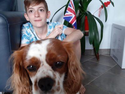 Ville : Aubière  Nom : Collège St Joseph  Moi avec mon Cavalier King Charles chien originaire de l'Angleterre.