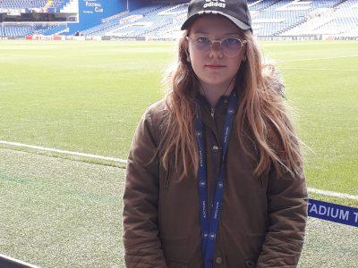 Collège Jean Macé à Portes lès Valence. Ma photo a été prise l'année dernière au stade de Chelsea pendant des vacances avec ma famille à Londres.