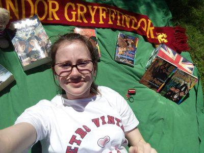 Collège st Claire Floirac. Je n'avais pas beaucoup d'objects donc j'ai pris mes livres Harry Potter et quelques goudises de Londres ;)  Mes meilleurs souvenirs viennent de mon voyage scolaire à Londres l'an dernier.