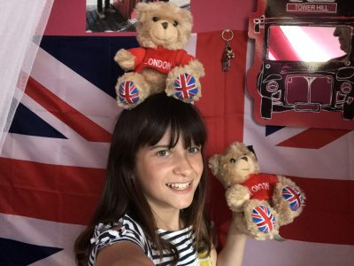 Ardres Collège de L'Europe  J'adore l'Angleterre, j'ai même décoré ma chambre sur ce thème. J'ai déjà pris le bateau et le tunnel sous la manche pour me rendre à Londres Canterbury