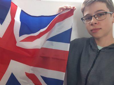 Casseneuil         Collège Gaston Carrère   Commentaire: A chaque fois que je vois ce drapeau, ça me rappelle mon voyage à Londres !
