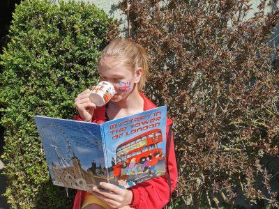 Collège Joliot Curie Auchy-les-Mines Petite dégustation de thé à l'anglaise autour d'un livre !