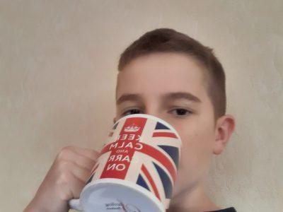 Collège Darius Milhaud Sartrouville Me réveiller tout les matins et boire dans ma tasse Royaume-Unis: quel plaisir !