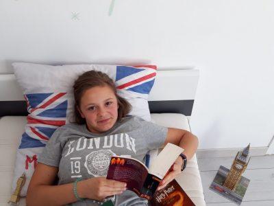 Bueil Andréa BOMONT J'aime l'Angleterre, et surtout Harry Potter.
