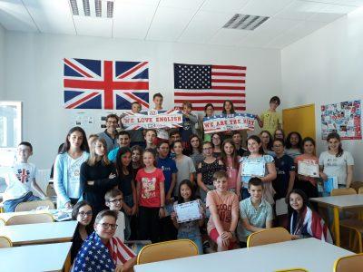 Collège Aumeunier Michot à La Charité sur Loire. Remise des prix enthousiaste et très attendue, les élèves étaient ravis !