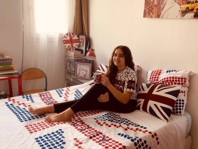 Elmounjiz Yasmine St vincent   Hello my friends do you  want a cup of tea?