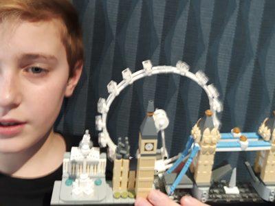 ST VALLIER - Collège N. Copernic  Fan de Lego depuis toujours...