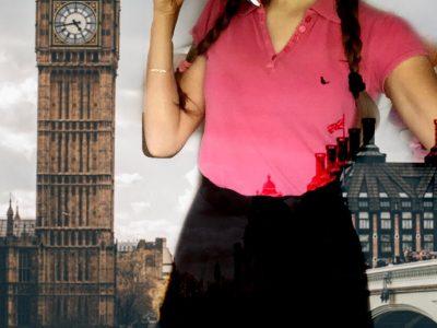 Villefontaine collège Louis Aragon. Même en confinement je peut me rendre a Londres mais en tenue d'écolière bien sûr.