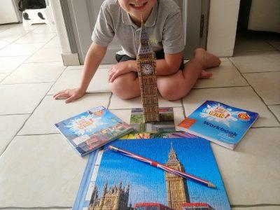 VIARMES COLLEGE BLAISE PASCAL   Le BIG BEN EN PUZZLE 3D et des livres d'Anglais .Et un crayon Anglais