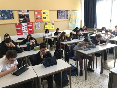 Scuola Fratelli Maristi, Cesano Maderno (MB) 3A: everyone is concentrated and enjoying the Challenge!