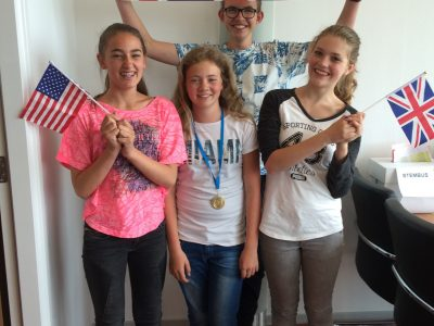 's Gravendreef College, Den Haag Kimberly Minnaard, our 1st in level 1, supported by Dieuwertje, Zoë and Bryan