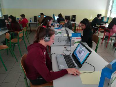 Scuola Media Aldo Manuzio , Venezia  All Kids concentrating during this big Challenge!!!