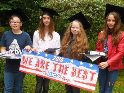Les 4 élèves de 6èmes les mieux classés du Collège Saint Luc Jeanne d'Arc à Cambrai. Bravo à Marine, Eline, Alison et Célestin!!!
