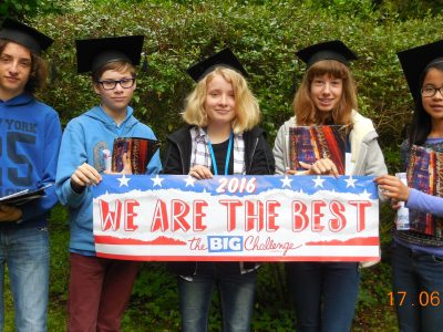 Les élèves de 4ème les mieux classés du Collège Saint Luc Jeanne d'Arc à Cambrai.