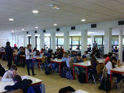 Fontainebleau Collège François COUPERIN + de 200 élèves ont participé au Big Challenge ce matin !